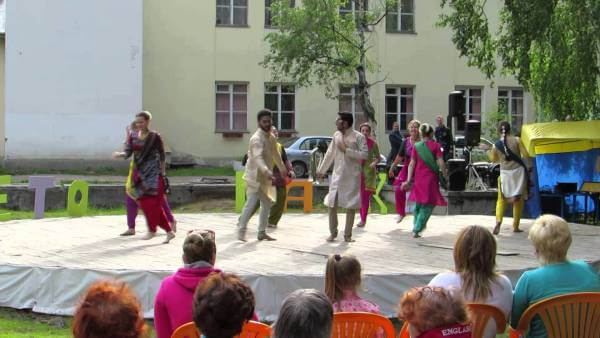 student-enjoying-bhangra